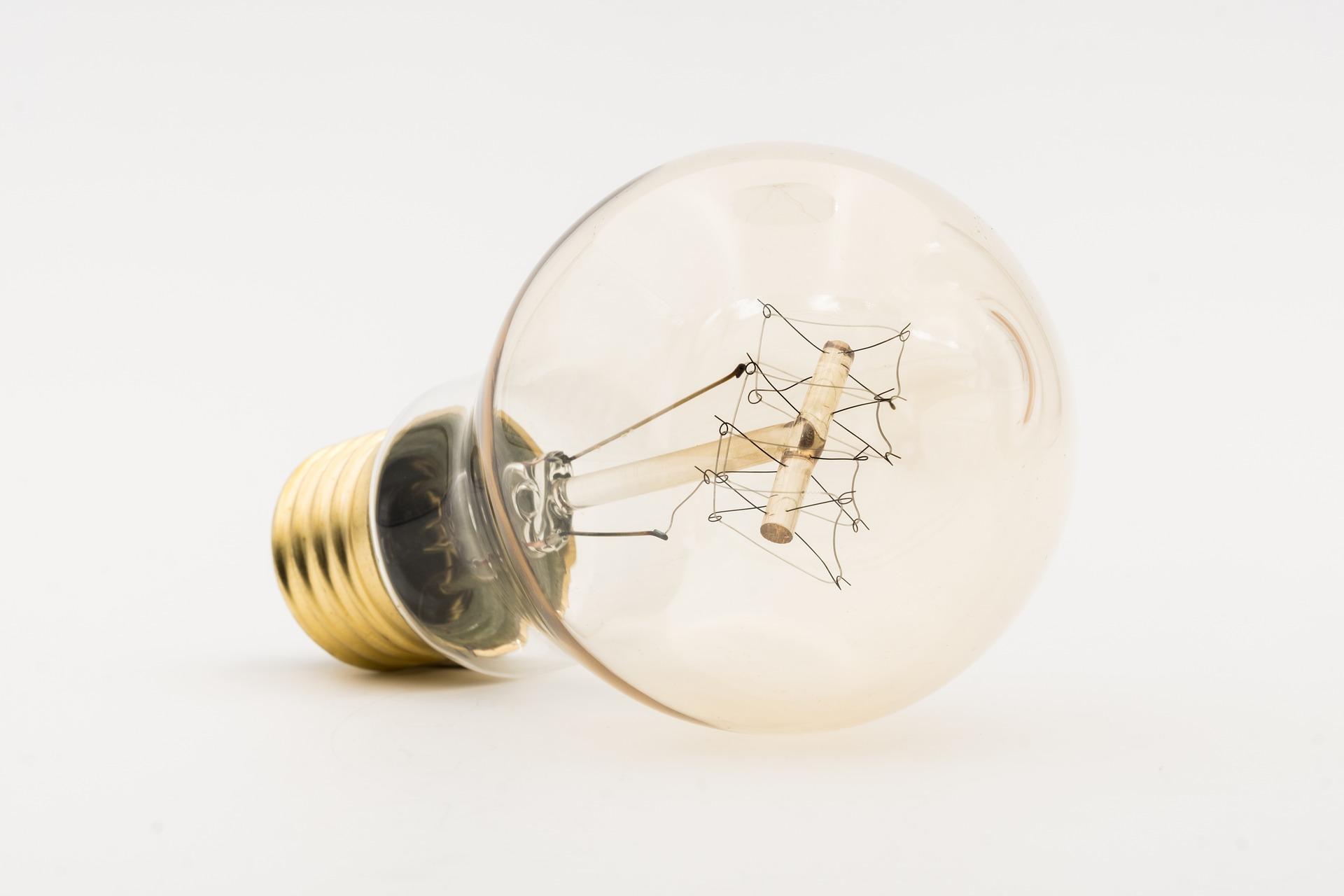 bulbs-3366585_1920